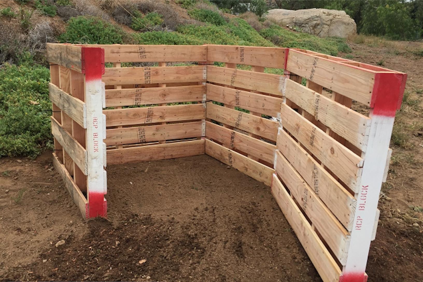 Compost bin 4