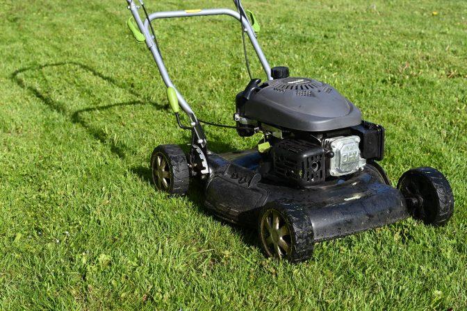 Lawn mower edging