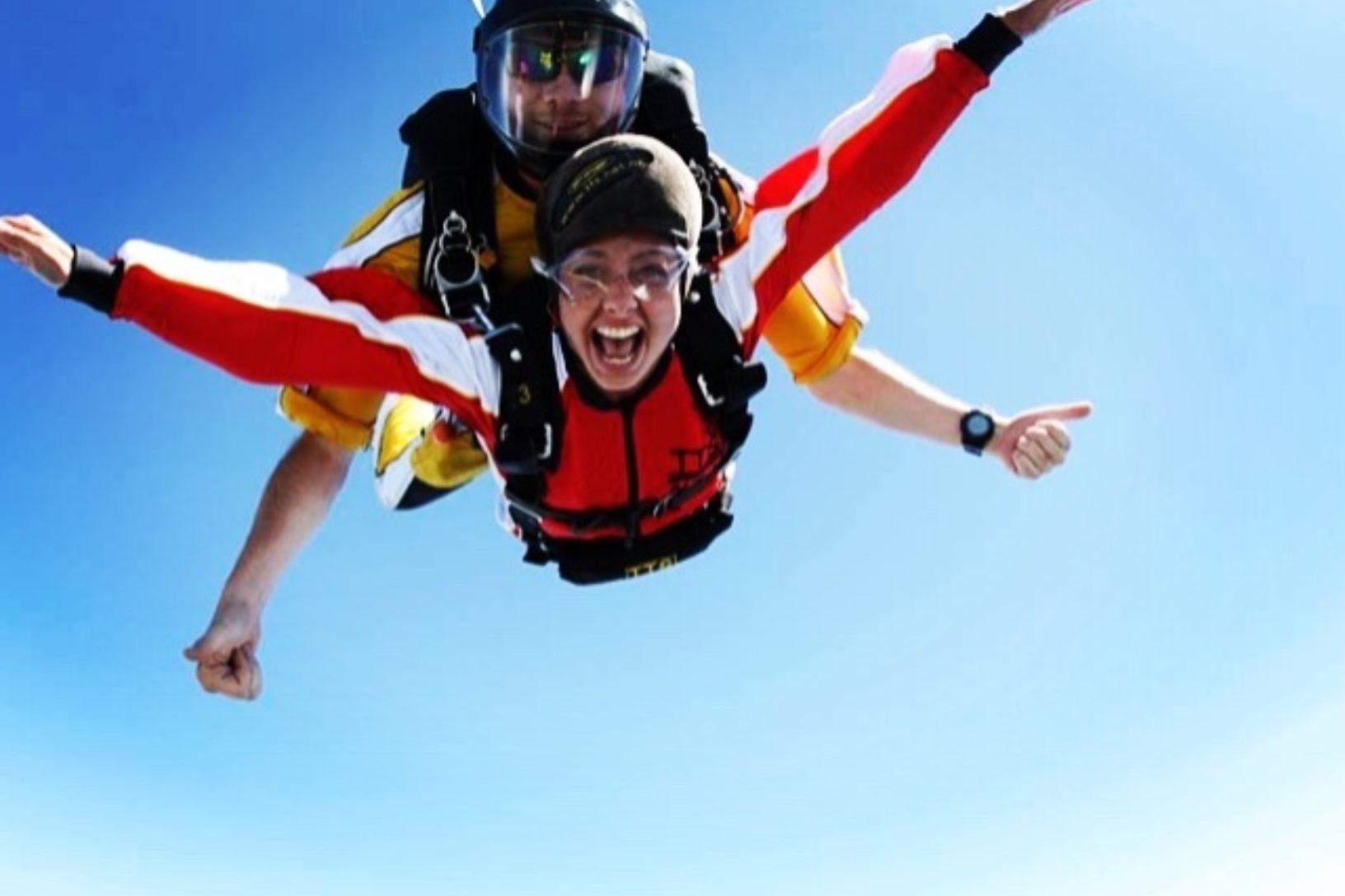 Corinne skydive