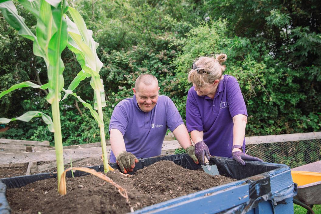 Vicki P S planting with Eddie S Charlie Garner 2019 6